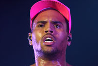 800px-chris_brown_6__2012